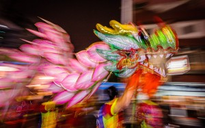 Dragon parade, Taiwan. Creative Commons by 白士 李